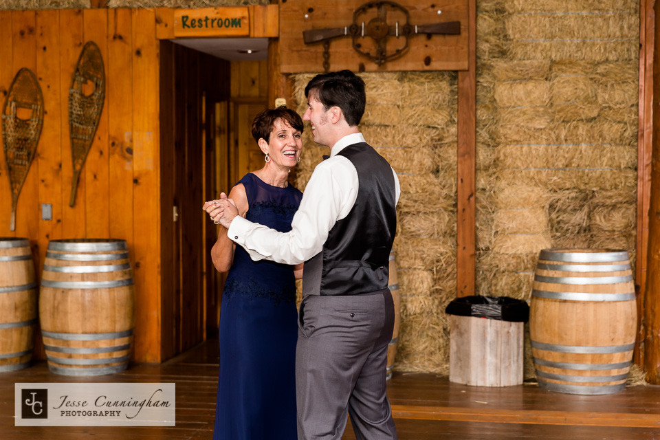 jesse_cunningham_mountain_springs_lodge_wedding-024