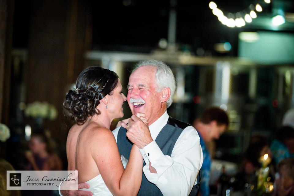 jessecunningham-swiftwatercellars-wedding-020